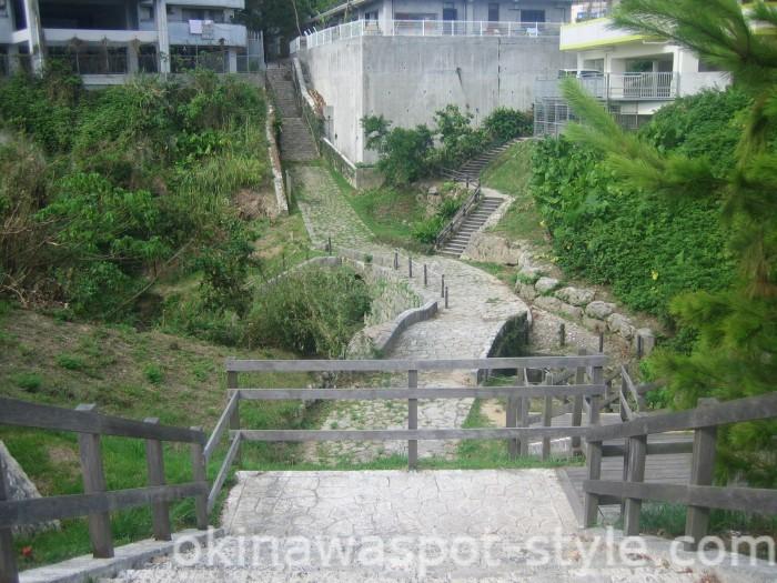 安波茶橋への階段